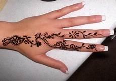 10 Gambar Henna Tangan Bunga Mawar Paling Dicari