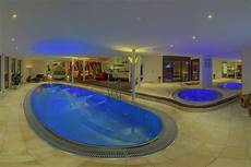 haus mit innenpool kaufen junior suite luxfit spa wellness sauna