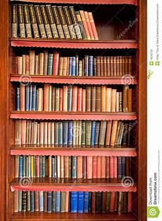 scaffale per libri vecchio scaffale per libri in libreria antica fotografia
