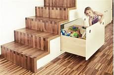 Treppe Mit Schrank - treppe mit integriertem schrank und schuhkofferschrank
