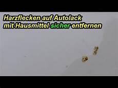 Eingetrockneten Baumharz Autolack Entfernen