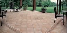 mattonelle per terrazzi esterni prezzi piastrelle esterno prezzi le piastrelle piastrelle per