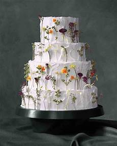 Wedding Cakes Decorated With Flowers