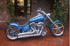 umgebautes motorrad harley davidson softtail rocker c