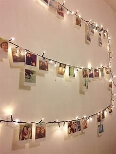 deko ideen mit fotos deko idee mit einer lichterkette und vielen fotos hochzeit zimmer deko ideen zimmer