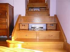 escalier avec tiroirs de rangements tapissier 233 b 233 niste