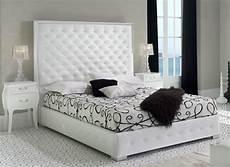lit americain king size lit king size capitonn 233 simili blanc bony 160 couchage 160 x 200 cm lestendances fr