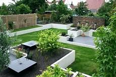 Japanischer Garten Steine Kies Pflanzen Elemente Vorgarten
