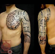 Tatouage Polynesien Tribal