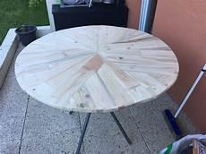 table de jardin sur mesure avec des chute de bois de