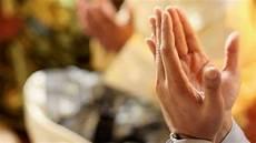 Begini Doa Untuk Orang Tua Telah Meninggal Dunia Dalam