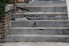 abgeplatzte klinker reparieren royalty free broken stairs pictures images and stock