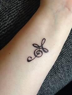 tatouage femme discret nuque modele tatouage femme beau 65 inspirant graphie de modele tatouage nuque femme discret
