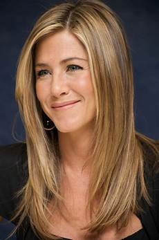 get inspired by aniston hairstyles in 2018