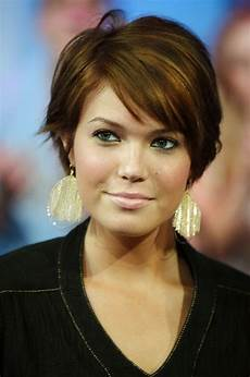 how to style short hair while growing it out short hairstyle 2013