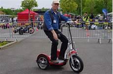 Elektro Scooter Mit Sitz Dreirad - velo trike l 228 ssig triken sicher scootern radmarkt