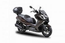 meilleur maxi scooter les 5 meilleurs scooters de 2016 actu moto