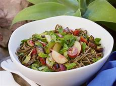 nudel pesto salat soba noodle salad with pesto and grilled eggplant recipe