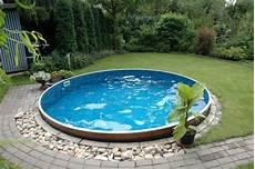 swimmingpool im eigenen garten so gelingt der traum pool