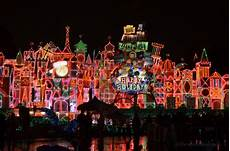 Decorations Disneyland by Holidays At Disneyland Everything You Need To