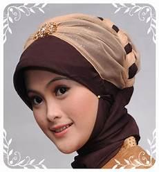 Menarik Model Jilbab Pesta Terbaru