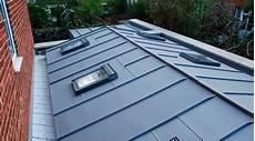 toit plat en zinc prix d une toiture en zinc co 251 t moyen tarif d installation