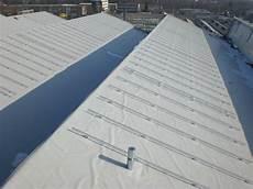 dachaufbau flachdach bitumenbahnen schweiger dach gmbh tss pin der solarbefestiger f 252 r