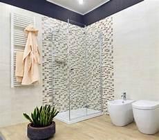 bagni con mosaico bagno moderno con doccia mosaico con ristrutturazione
