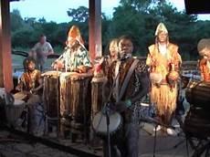 Ndungu Kina Afrikanische Trommel Gesang Tanz Jambo