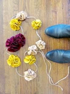 splendid twisted felt garland necklace or bracelet diy twisted felt garland necklace and bracelet