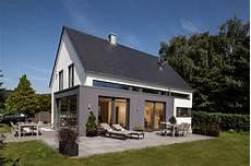 satteldach haus modern moderne architektur und intelligentes wohnkonzept