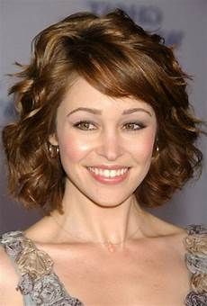 haircuts for short wavy thick hair wavy haircut