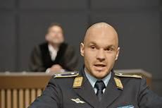 christian meyer berlin terror fesselnder gerichts thriller mit interaktiver