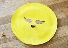 un masque de fleur pour le carnaval l est un jeu d