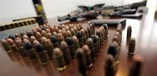 questura di ufficio armi detenzione di armi termini scaduti per certificare l