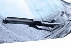 les essuie glace quand changer ses balais d essuie glaces norauto