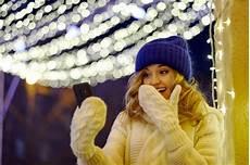 frohe weihnachten zubeh 246 r mit telefon und kaffee mit milch