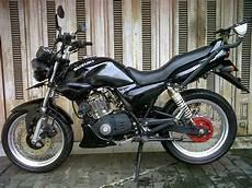 Modifikasi Motor Thunder 125 by Kumpulan Modifikasi Motor Suzuki Thunder 125 Keren Terbaru
