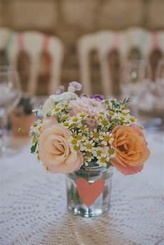 petit bouquet de fleurs pour table comment mettre en valeur une table au quotidien cocon