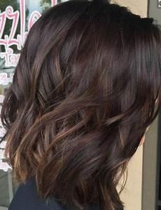 coupe de cheveux ondulés coupe de cheveux carr 233 plongeant coiffure simple et facile