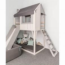 kinderbetten mit rutsche hochbett spielhaus