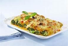 cannelloni ricotta spinat cannelloni mit spinat ricotta f 252 llung rezept lecker