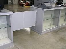 mobilier pour magasins comptoir de vente by castellani it