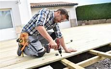 poseur terrasse bois comment bien choisir le poseur de votre terrasse en bois