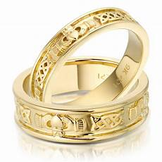 file gold claddagh wedding bands jpg wikimedia commons