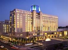 renaissance hotels resorts