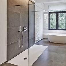 duschabtrennung aus glas die 25 besten ideen zu walk in dusche auf