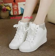jual sendal sepatu boots putih sepatu kets casual sepatu wedges inside putih sneakers