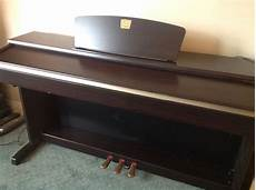 yamaha electric piano clavinova clp 320 barely used