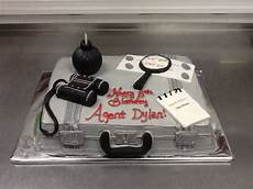 detective themed birthday cake in 2020 detective